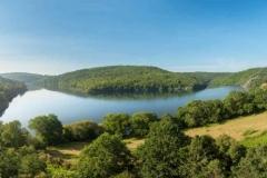 France, Morbihan (56), Saint-Aignan, Lac de Guerledan et foret de Quenecan
